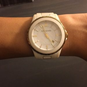 White Michael Kors watch ⌚️✨